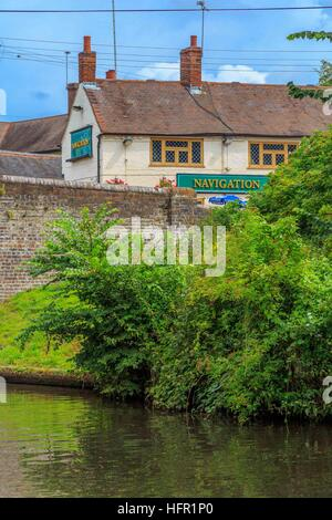 The Navigation Inn on the Staffordshire & Worcestershire Canal in Kingswinford - Stock Photo