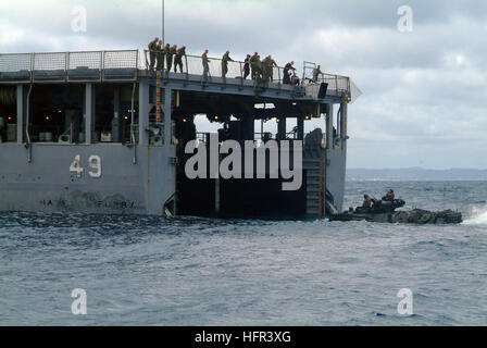 060322-N-4772B-111 Sea of Japan (March 22, 2006) - An Amphibious Assault Vehicle (AAV) assigned to the 31st Marine - Stock Photo