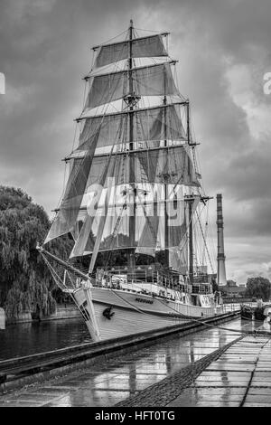 Vintage sailing ship - Stock Photo