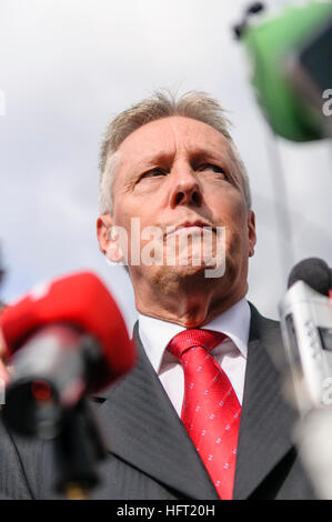 Peter Robinson, First Minister for Northern Ireland, at a press conference - Stock Photo