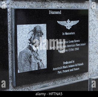 070505-N-8933S-109 VIRGINIA BEACH, Va. (May 5, 2007) - The plaque honoring Ensign Jesse Brown that was unveiled - Stock Photo