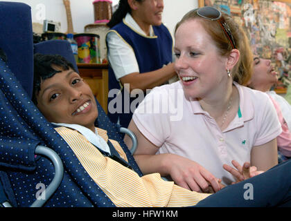 071016-N-6524M-002  DUBAI, United Arab Emirates (Oct. 16, 2007) - Hospital Corpsman 2nd Class Rita Rombaoa participates - Stock Photo