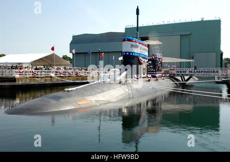 080621-N-8467N-002 GROTON, Conn. (June 21, 2008) The Pre-Commissioning Unit (PCU) New Hampshire (SSN 778) is moored - Stock Photo