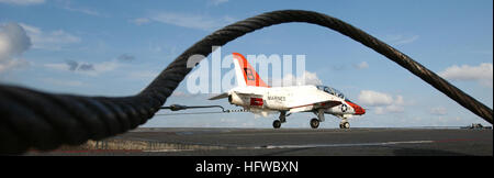 050626-N-5345W-105 Atlantic Ocean (June 26, 2005) - A T-45A Goshawk trainer aircraft, assigned to Training Air Wing - Stock Photo