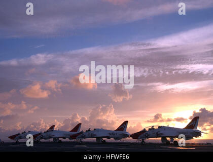 050627-N-4308O-007 Atlantic Ocean (June 27, 2005) - T-45A Goshawk trainer aircraft, assigned to Training Air Wings - Stock Photo