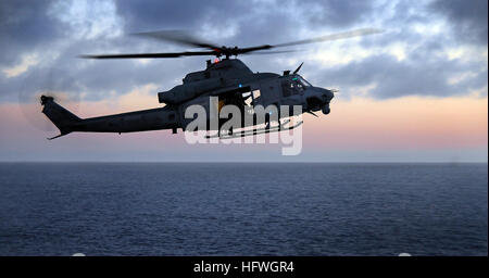 081102-N-4774B-080 PACIFIC OCEAN  (Nov. 2, 2008) The new Bell UH-1Y Huey helicopter assigned to Marine Medium Helicopter - Stock Photo