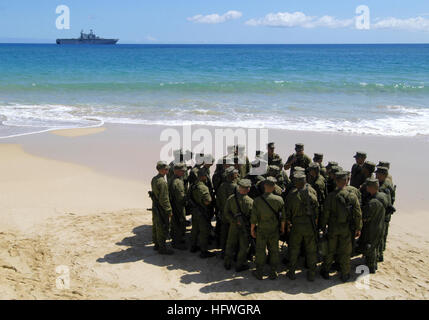 050629-N-1397H-079 Kauai, Hawaii (June 29, 2005) – U.S. Marines assigned to the 3rd Amphibious Assault Battalion - Stock Photo