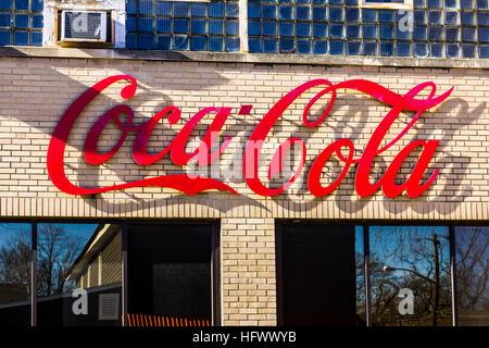 Lafayette - Circa December 2016: Coca-Cola Bottling. Coca-Cola Bottling is the largest independent Coke bottler - Stock Photo