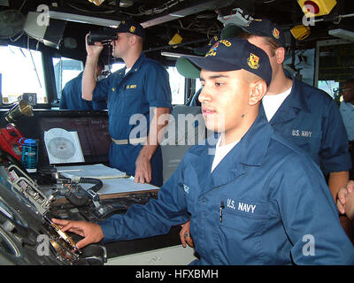 050804-N-8825R-015 Puget Sound, Wash. (Aug. 4, 2005) - Midshipman 1st Class Christopher Pieschl trains as Conning - Stock Photo