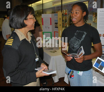 080609-N-9268E-017 BETHESDA, Md. (Aug. 8, 2009) Capt. Cynthia Macri, an obstetrics and gynecology physician serving - Stock Photo