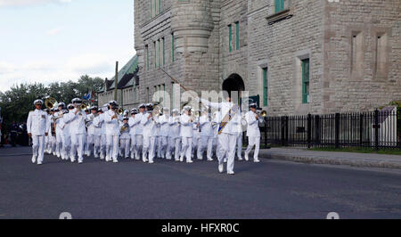 090826-N-5843P-024 QUEBEC (Aug. 26, 2009) Members of the U.S. Navy Band, led by drum major Master Chief Musician - Stock Photo