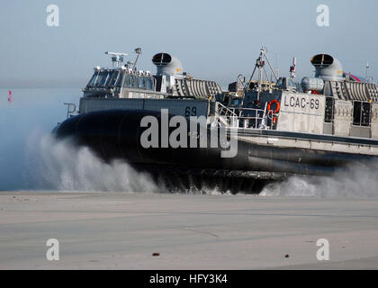 100306-N-3165S-028 VIRGINIA BEACH, Va. (March 6, 2010) A landing craft air cushion from Amphibious Craft Unit (ACU) - Stock Photo