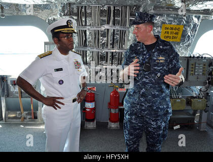100428-N-3265K-082  PORT EVERGLADES, Fla. (April 28, 2010) Vice Adm. Mel Williams Jr., commander of U.S. 2nd Fleet, - Stock Photo