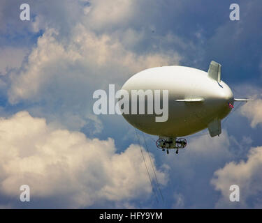 100708-N-9174G-001 NEW ORLEANS (July 8, 2010) A U.S. Navy MZ-3A manned airship, Advanced Airship Flying Laboratory, - Stock Photo