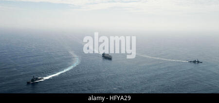 100709-N-6003P-159 U.S. 5TH FLEET AREA OF RESPONSIBILITY (July 9, 2010) The aircraft carrier USS Harry S. Truman - Stock Photo