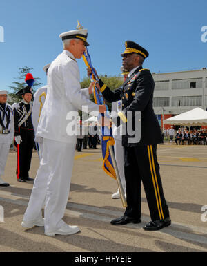 101006-N-1512O-298 NAPLES, Italy (Oct. 6, 2010) Gen. William ÒKipÓ Ward, right, commander of U.S. Africa Command, - Stock Photo