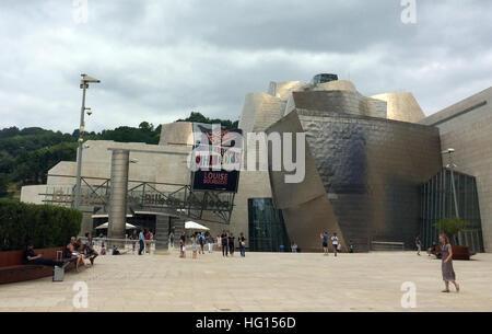 Bilbao, Spanien. 28th July, 2016. Das Guggenheim Museum in Bilbao (Spanien), aufgenommen am 28.07.2013. Mehr als - Stock Photo