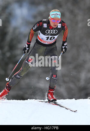 Oberstdorf, Germany. 04th Jan, 2017. Nicole Fessel of Germany skis in the women's pursuit race during the FIS Tour - Stock Photo