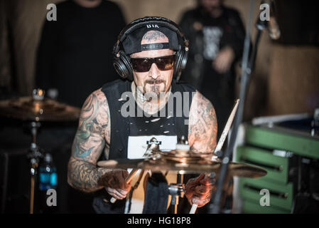 Las Vegas, NV, USA. 31st Dec, 2016. ***HOUSE COVERAGE*** Travis Barker performs at New Years Eve set at Vanity Nightclub - Stock Photo