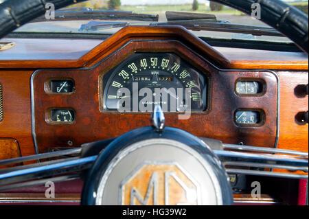 MG Magnette ZA classic British sports saloon car speedometer in art deco dashboard - Stock Photo