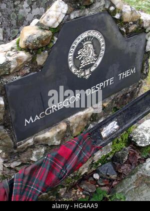 Rob Roys grave  Balquhidder, - Robert 'Rob' Roy MacGregor - Stock Photo