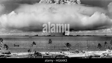 A nuclear weapon test by the American military at Bikini Atoll, Micronesia. - Stock Photo
