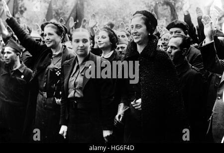 The Nazi propaganda picture shows the wife of Francisco Franco, Carmen Polo de Franco (right), government representative - Stock Photo