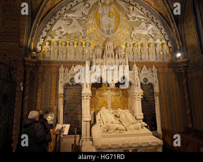 Royal grave monument in the Matthias Church in Budapest, Hungary - Stock Photo