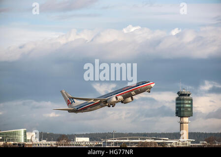 American Airlines Boeing 737-823 airborne after take off from Vancouver International airport. - Stock Photo