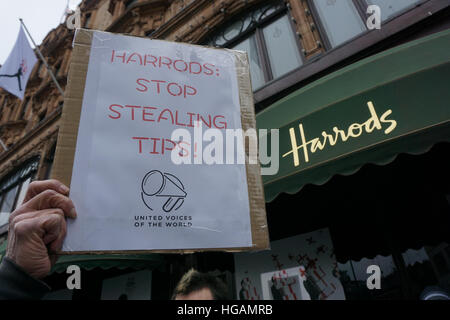 London, UK. 7th January, 2017. Protesters from UVW Union protests against Harrods allegedly taking up 75% of restaurant - Stock Photo
