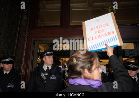London, UK. 7th January 2017. Harrods staff protest over tips being withheld.  © claire doherty/Alamy Live News - Stock Photo