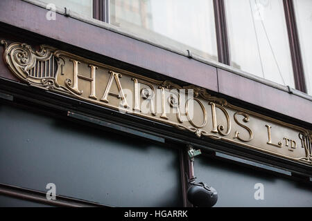 London, UK. 7th January, 2017. Signage outside the Harrods department store in Knightsbridge. Credit: Mark Kerrison/Alamy - Stock Photo