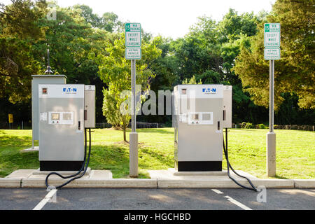 EATON EV Quick Chargers, Electric Car Chargers, on the Merritt Parkway, Greenwich, CT Connecticut USA - Stock Photo