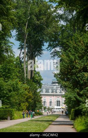 Deutschland, Düsseldorf, Schloss Benrath, Südseite des Corps de Logis - Stock Photo