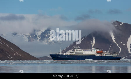 Spitsbergen, Svalbard, glacier, Hornsund, ship - Stock Photo