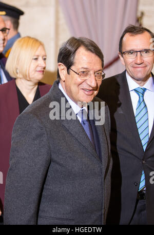 Geneva. 9th Jan, 2017. Cyprus' President Nicos Anastasiades (C) arrives for the reunification negotiations in Geneva, - Stock Photo