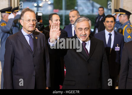 Geneva. 9th Jan, 2017. Turkish Cypriot leader Mustafa Akinci (R F) arrives for the reunification negotiations in - Stock Photo