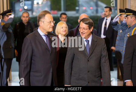 Geneva. 9th Jan, 2017. Cyprus' President Nicos Anastasiades (R F) arrives for the reunification negotiations in - Stock Photo