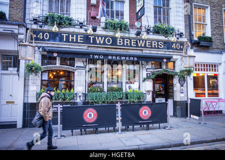 The Two Brewers, traditional pub on Monmouth Street, Seven Dials / Covent Garden, London, UK - Stock Photo