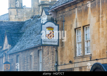 Noel Arms hotel and pub in Chipping Campden high street, the Cotswolds in Gloucestershire,England - Stock Photo