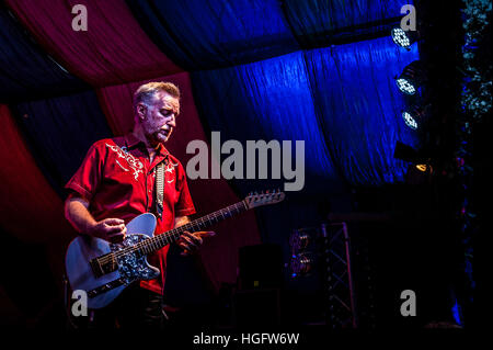 Billy Bragg on stage at Moseley Folk Festival - Stock Photo