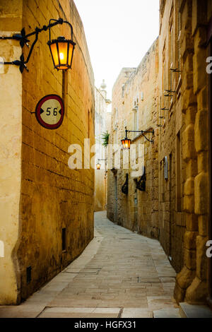 An alley in the old city of Mdina, Malta - Stock Photo