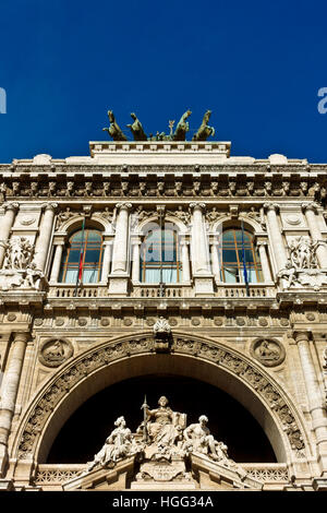 Italian Supreme Court of Cassation (Corte di Cassazione), Palace of Justice, Courthouse. Renaissance, bronze quadriga. - Stock Photo