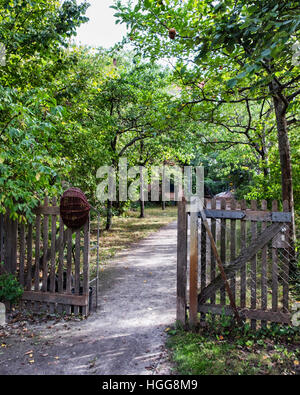 Berlin,Neukölln,Richardstrasse. Comenius garden. A leafy urban park named after philosopher John Amos Comenius in - Stock Photo