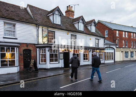 Burnham on Crouch, Essex, England. The Star pub. Traditional, Typical English pub on the Village High Street. - Stock Photo