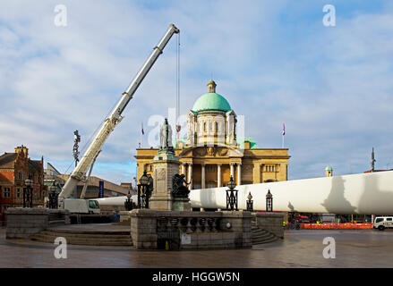 Installing wind turbine blade in Victoria Square, Kingston upon Hull, East Riding of Yorkshire, Humberside, England - Stock Photo