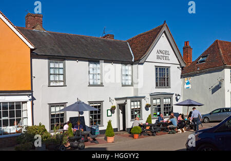 The Angel Hotel in the market square at Lavenham, Suffolk, England - Stock Photo