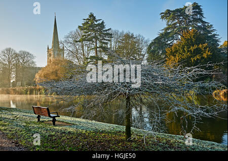 Holy Trinity church in Stratford upon Avon is the burial place of William Shakespeare and stands on the banks of - Stock Photo
