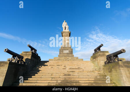 The Admiral Lord Collingwood memorial statue at Tynemouth, North Tyneside, England, UK - Stock Photo