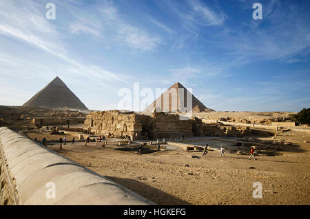 an overview of the oldest of the seven wonders of the world the great pyramids In the world, the pyramids—especially the great pyramids of  precursors to the pyramids the oldest known  famed seven wonders of the ancient world.